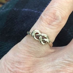 10k Yellow Gold 'knot' ring